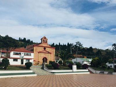 Iglesia de Chivatá.jpg